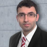 Dr. Eldar Sultanow